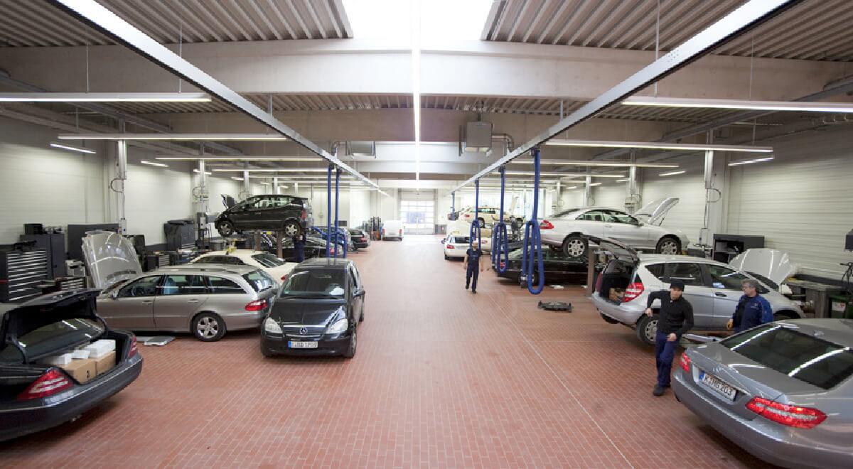 Architektur Werkstatt Autohaus Mercedes Benz Köln